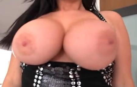 sophie_dee-Big_ole_titties